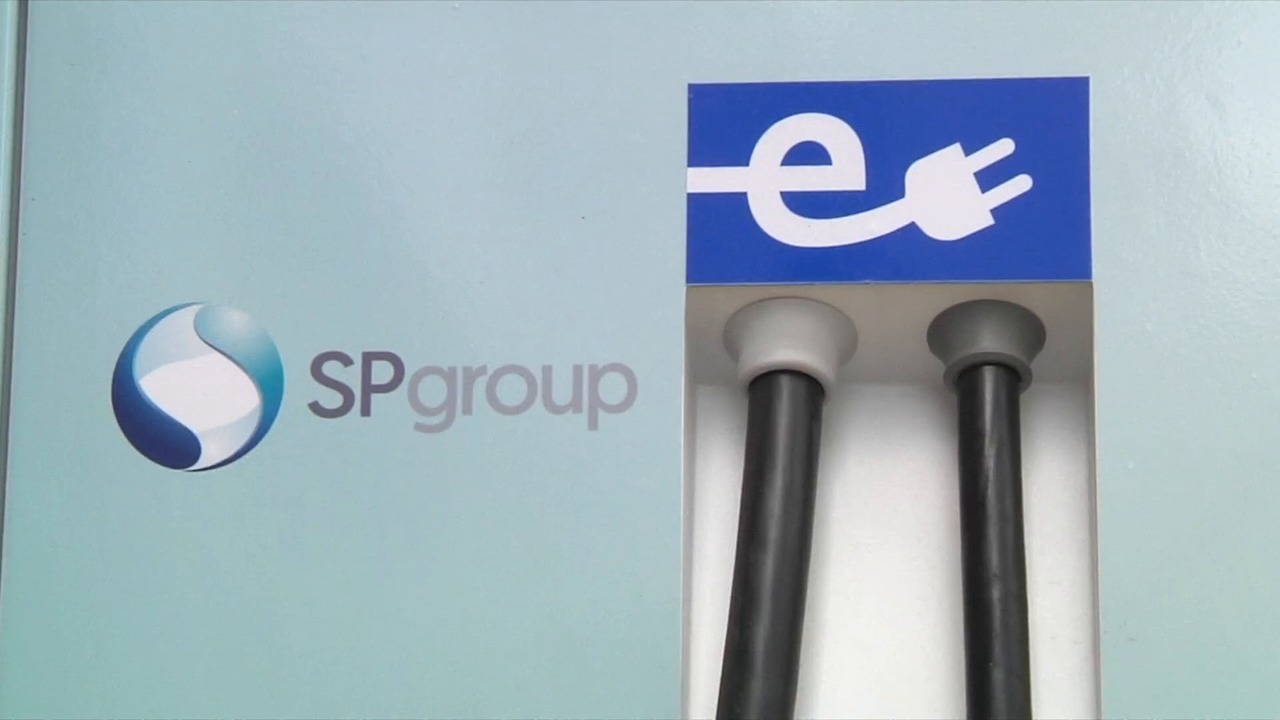 BlueSG opens charging points to private electric car owners | Video