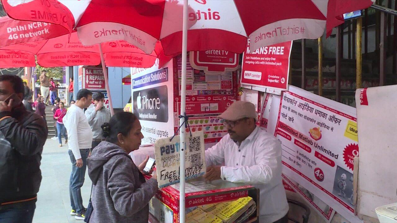 Telecom tariff hike hits India's low income earners | Video