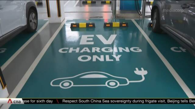 All HDB car parks in at least 8 towns to have electric vehicle charging points by 2025 | Video