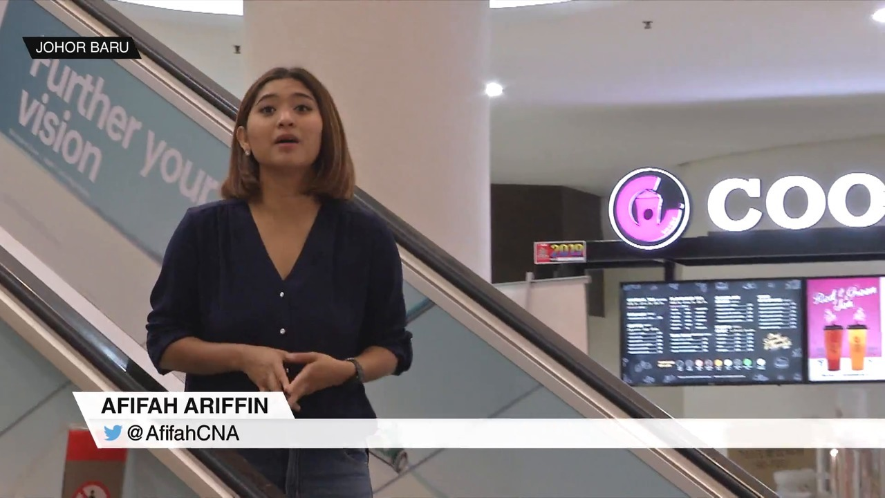 More Singaporeans visit Johor to shop ahead of Hari Raya | Video