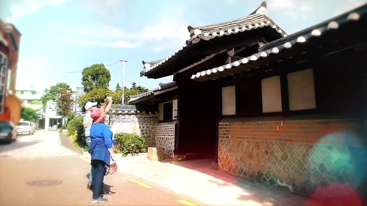 Tour of Gangnam's Alleys