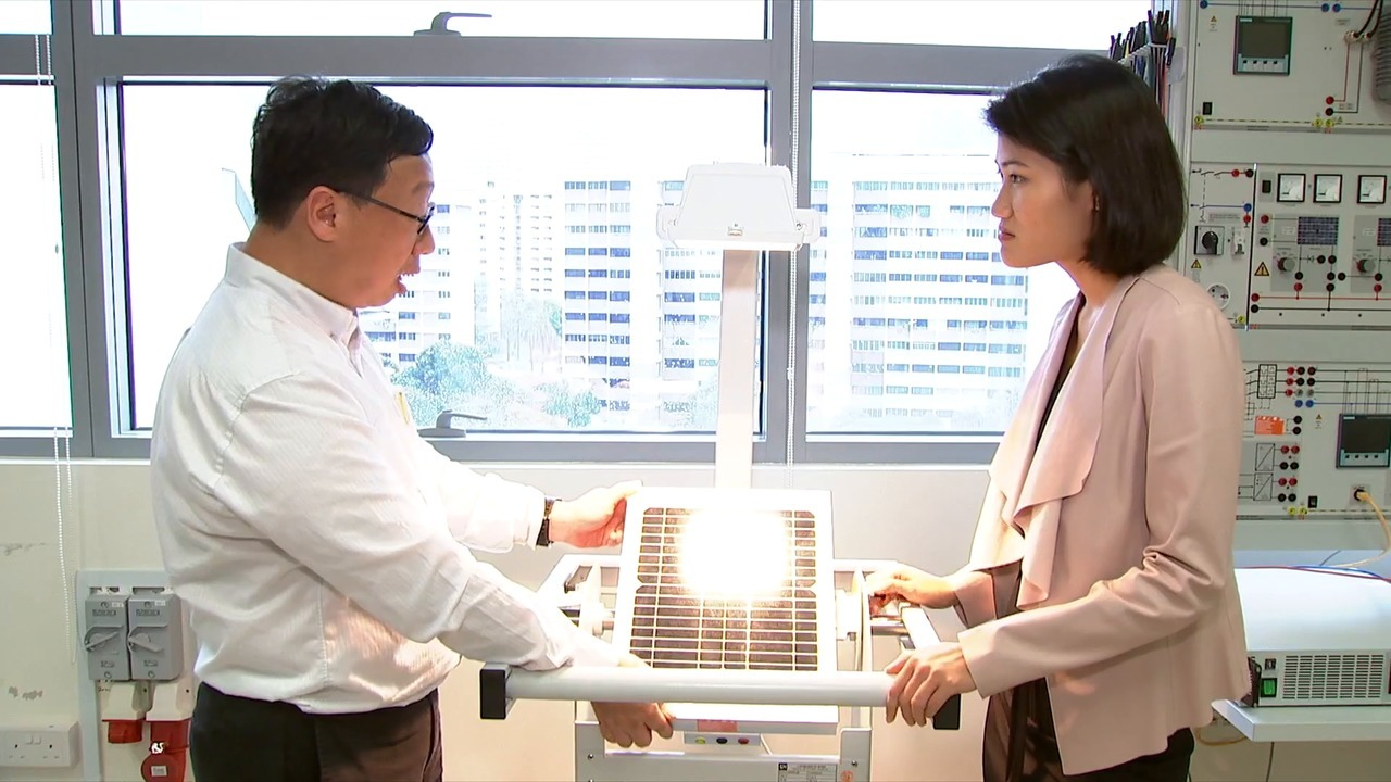 Solar power: Singapore on track to achieve 2020 target   Video