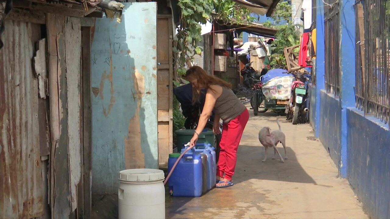 Humanitarian aid project provides clean water for underprivileged in Manila | Video